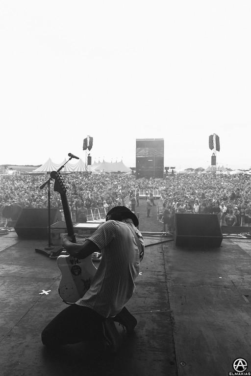 Vic Fuentes of Pierce The Veil live at Reading Festival 2015 by Adam Elmakias