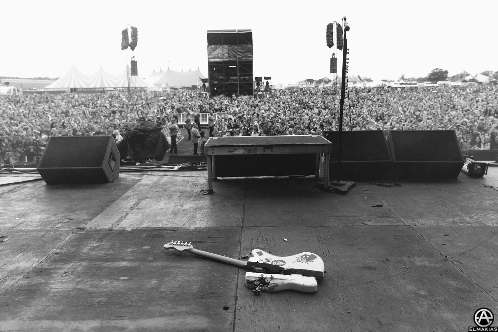 Broken guitar at Reading Festival 2015 by Adam Elmakias