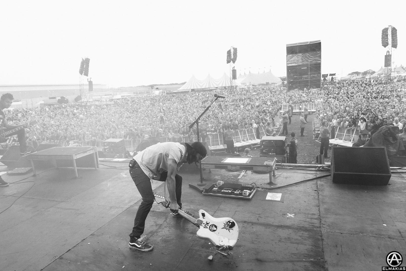 Pierce The Veil live at Reading Festival 2015 by Adam Elmakias